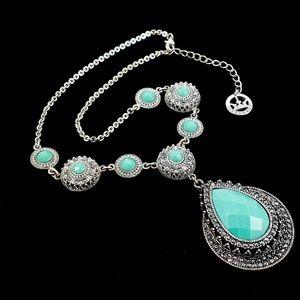 NWOT! Trifari Statement Necklace Turquoise Color